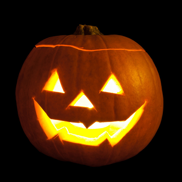 The Story of Halloween - Stories from America and Europe