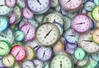 Clocks time colors