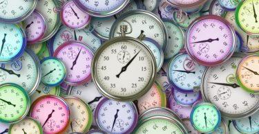 Clocks time colors